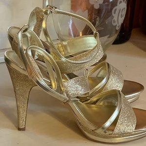 Women's Gold Heels 👠